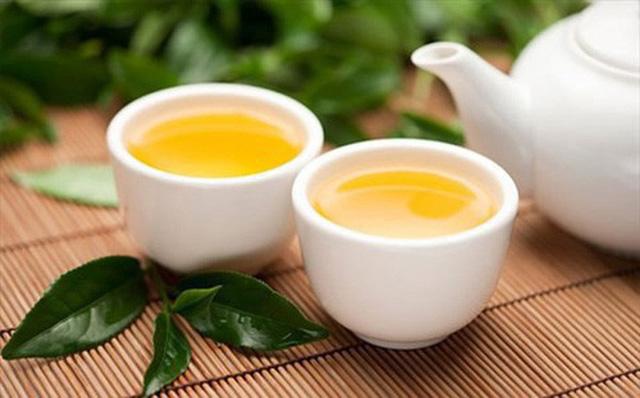 trà xanh giải độc gan